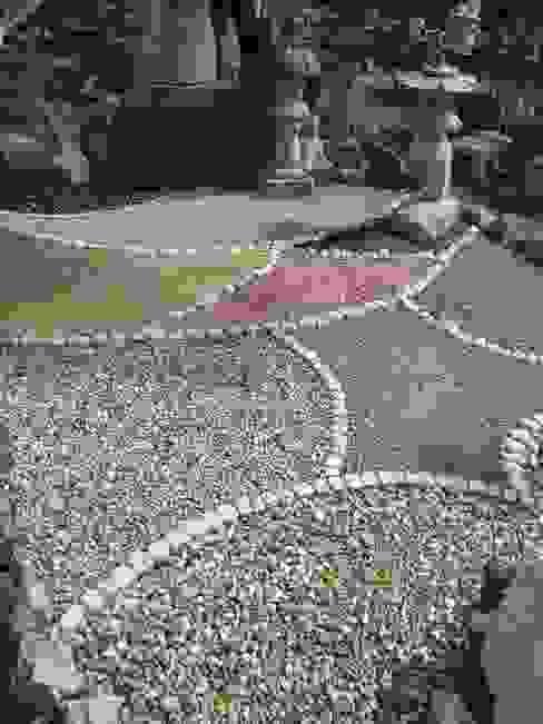 ghiaia colorata di Mussner Garden Design Asiatico