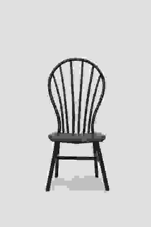 Bamboo Windsor Chair: modern  door Bo Reudler Studio, Modern