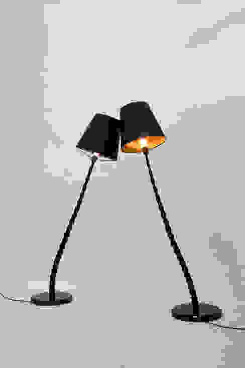 Haute Bamboo Lamp: modern  door Bo Reudler Studio, Modern