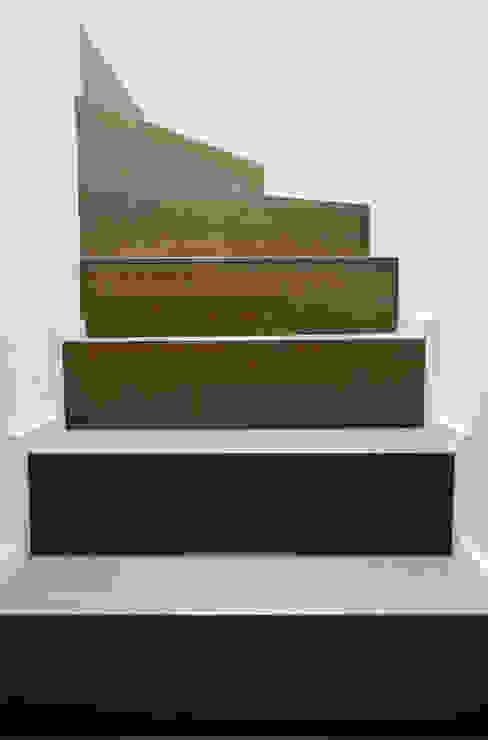 Corredores, halls e escadas minimalistas por PLANAIR ® Minimalista
