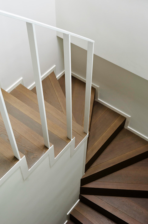 Minimalist corridor, hallway & stairs by PLANAIR ® Minimalist