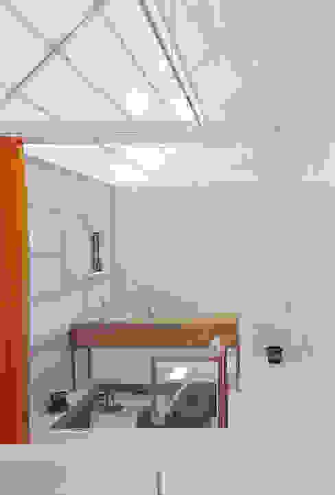 山崎町の住居 オリジナルスタイルの お風呂 の 島田陽建築設計事務所/Tato Architects オリジナル