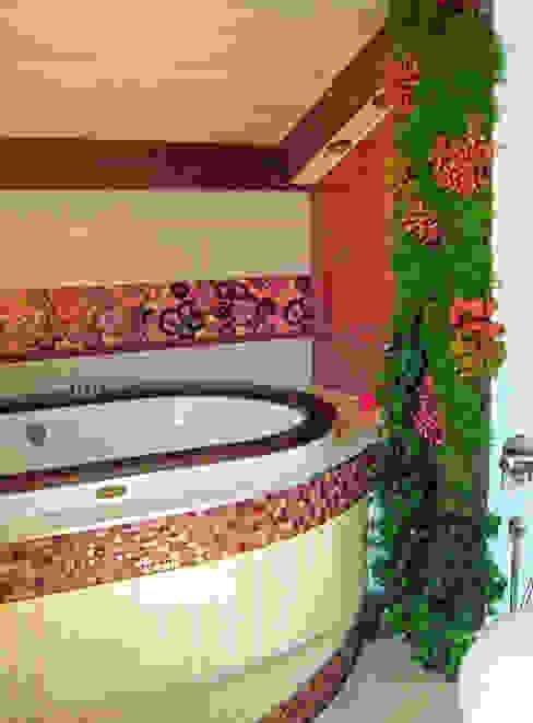 Фитостена в ванной комнате: Озеленение  в . Автор – RaStenia