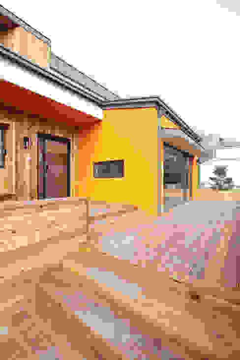 Hiên, sân thượng phong cách hiện đại bởi 주택설계전문 디자인그룹 홈스타일토토 Hiện đại