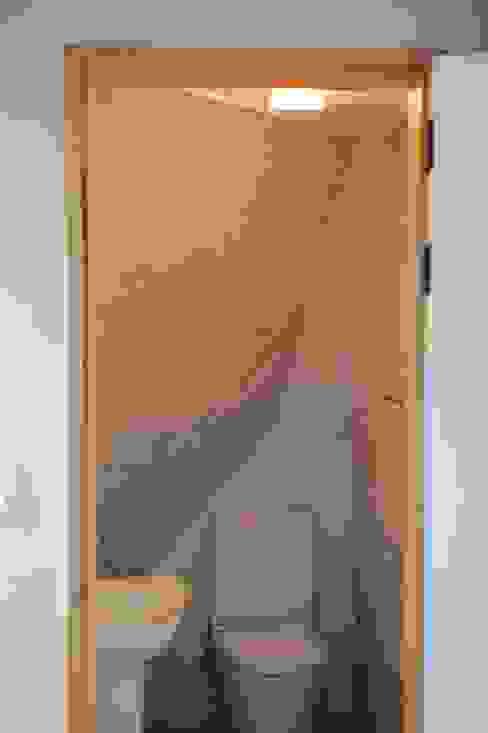 임조의 오두막 모던스타일 욕실 by AAPA건축사사무소 모던