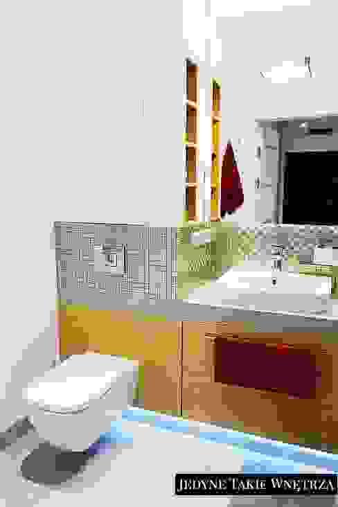 JedyneTakieWnętrza Scandinavian style bathroom