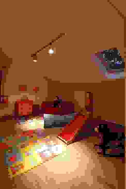 Chambre d'enfant de style  par REFORM Konrad Grodziński, Moderne