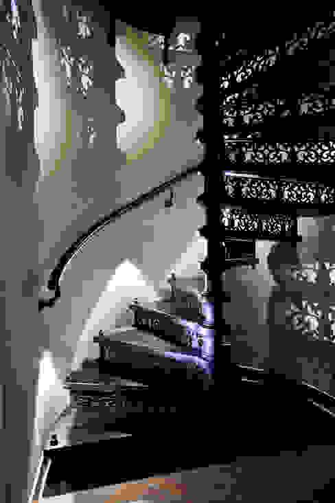 Винтовая лестница. Чугун от SAVAS