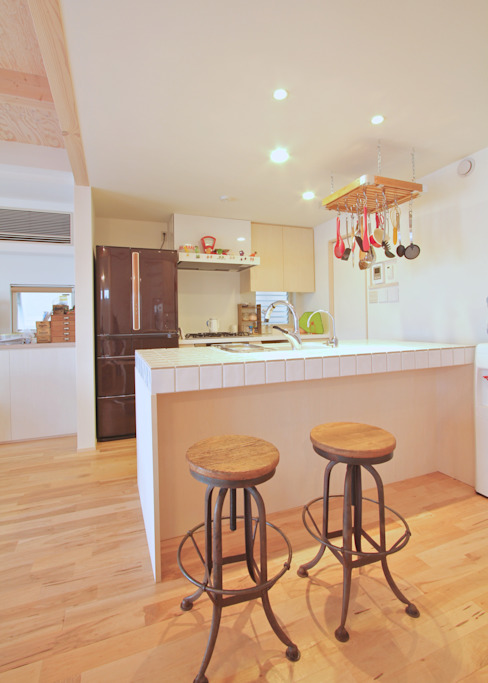 Eclectic style kitchen by ジェイ石田アソシエイツ Eclectic