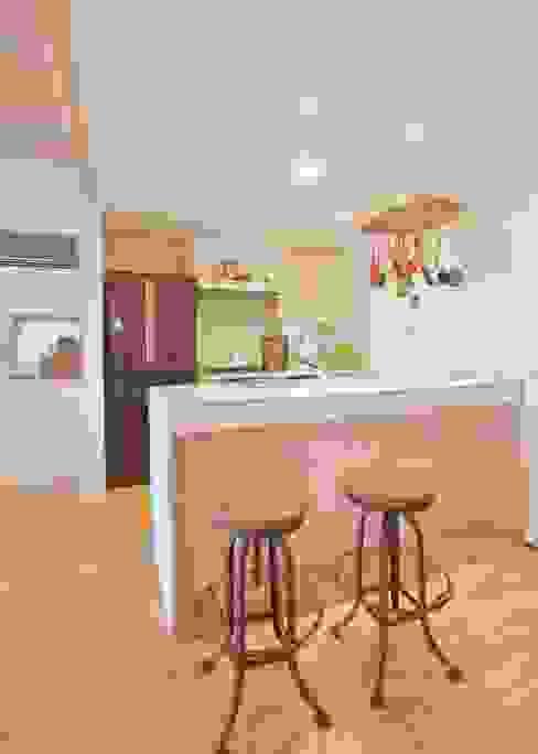 保土ヶ谷区I邸 オリジナルデザインの キッチン の ジェイ石田アソシエイツ オリジナル