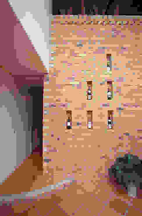 蓄熱壁 北欧スタイルの 壁&床 の ジェイ石田アソシエイツ 北欧