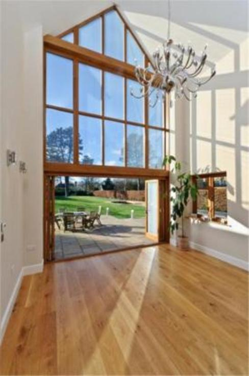 Project 10 Woldingham de Flairlight Designs Ltd Moderno
