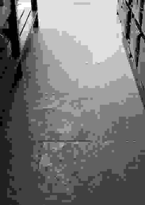 The Hampton Court Kitchen Landhaus Küchen von Floors of Stone Ltd Landhaus