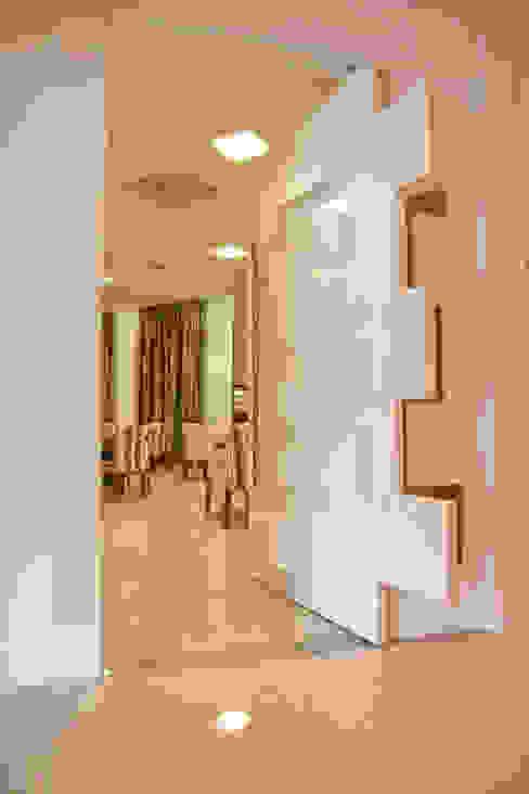 de estilo  por Daniela Vieira Arquitetura, Moderno
