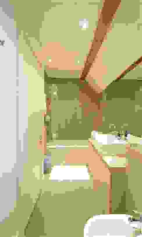 Wood Farm Barn Landelijke badkamers van Seymour-Smith Architects Landelijk