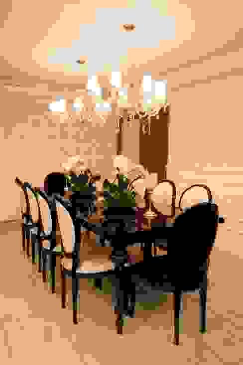 APARTAMENTO CLÁSSICO Salas de jantar clássicas por Apê 102 Arquitetura Clássico