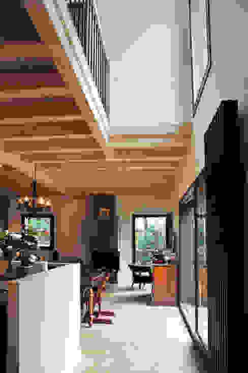 Maison Ossature bois à Oullins Salon moderne par Empreinte Constructions bois Moderne