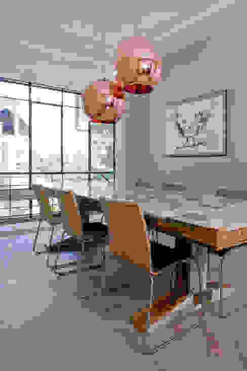Complete verbouwing en inrichting herenhuis Moderne eetkamers van Kodde Architecten bna Modern