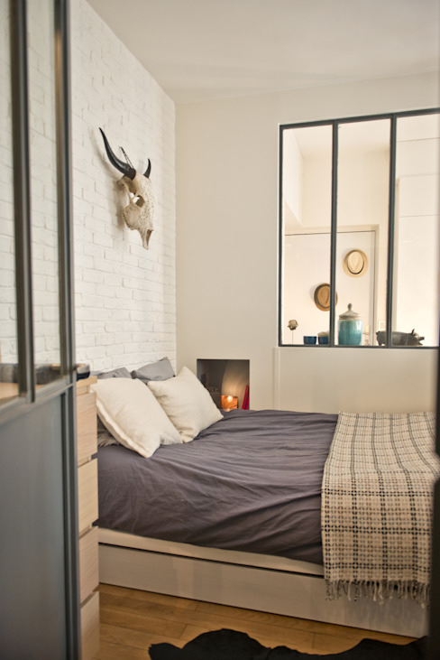 Camera da letto moderna di Atelier Grey Moderno