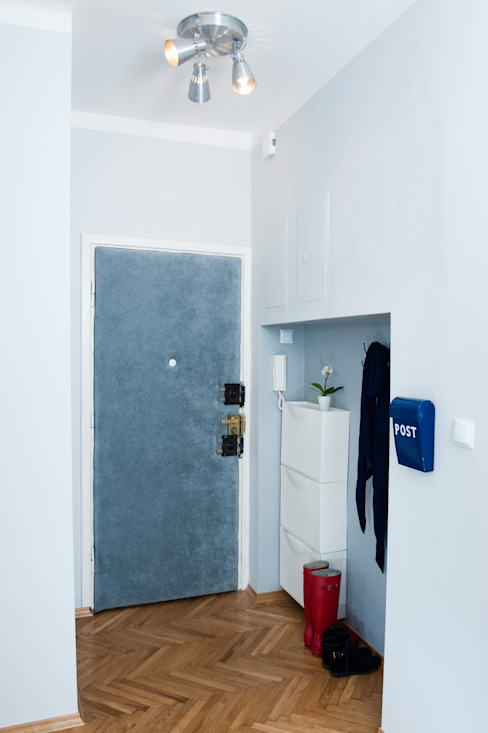 Couloir et hall d'entrée de style  par Better Home