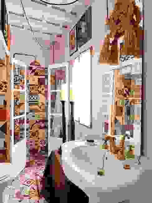 Baños de estilo clásico de Suelos Hidráulicos Demosaica Clásico