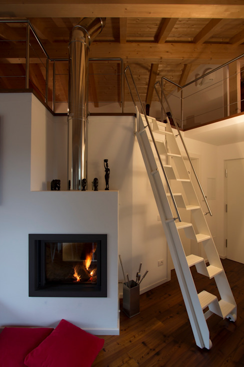 Modern living room by medeaa Marchetti e De Luca Architetti Associati Modern