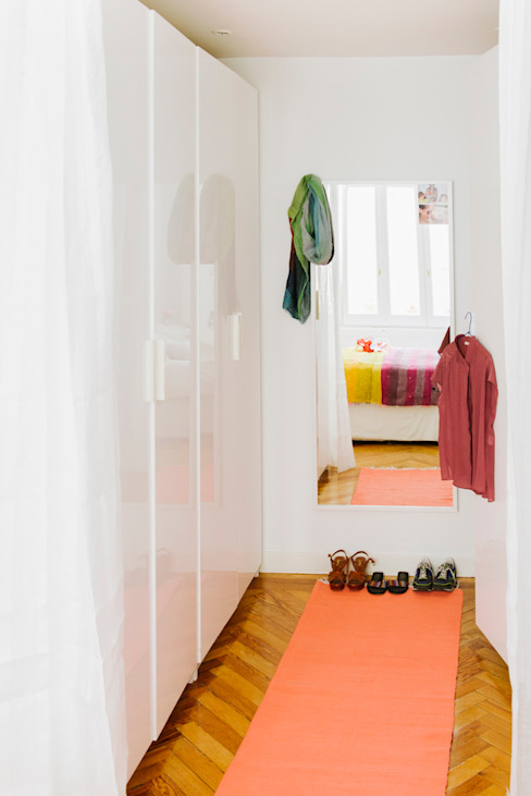 Vivienda zona plaza de Olavide, Madrid Vestidores de estilo escandinavo de nimú equipo de diseño Escandinavo