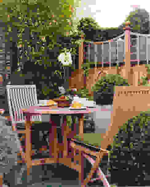 Mayfair Apartment - Roof Terrace Classic style balcony, veranda & terrace by Meltons Classic
