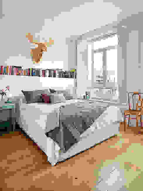 北欧スタイルの 寝室 の nimú equipo de diseño 北欧