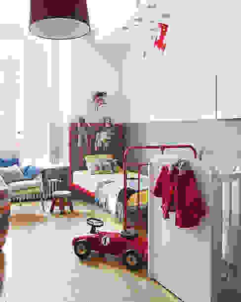 Vivienda zona Malasaña, Madrid Dormitorios infantiles de estilo escandinavo de nimú equipo de diseño Escandinavo