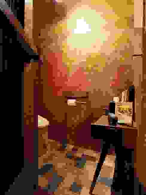 日野の家: HandiHouse projectが手掛けた浴室です。,オリジナル