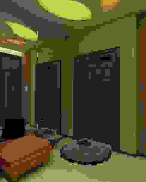 квартира в современном стиле Коридор, прихожая и лестница в эклектичном стиле от архитектор-дизайнер Алтоцкий Михаил (Altotskiy Mikhail) Эклектичный