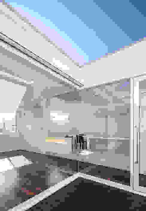 ห้องครัว โดย 株式会社細川建築デザイン, โมเดิร์น