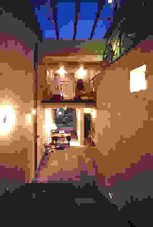 غرفة المعيشة تنفيذ 久保田英之建築研究所