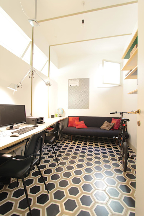 Modern study/office by studio magna Modern