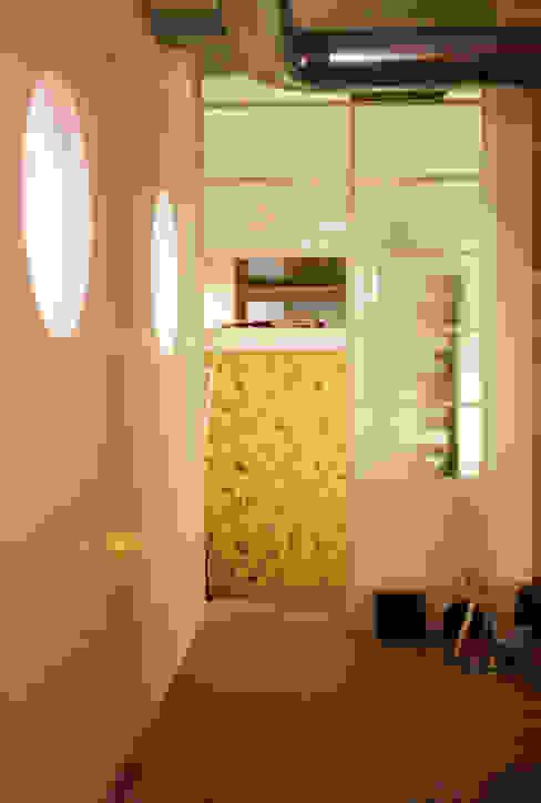 Loft ecologico a San Salvario, Torino Camera da letto in stile industriale di TRA - architettura condivisa Industrial