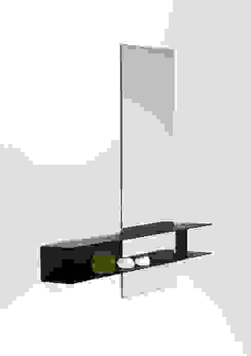 Slide mirror 'double':  Badkamer door Marc Th. van der Voorn,