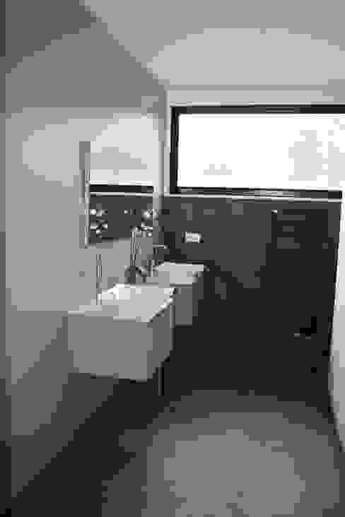 salle de bains Salle de bain moderne par scp duchemin melocco architectes Moderne