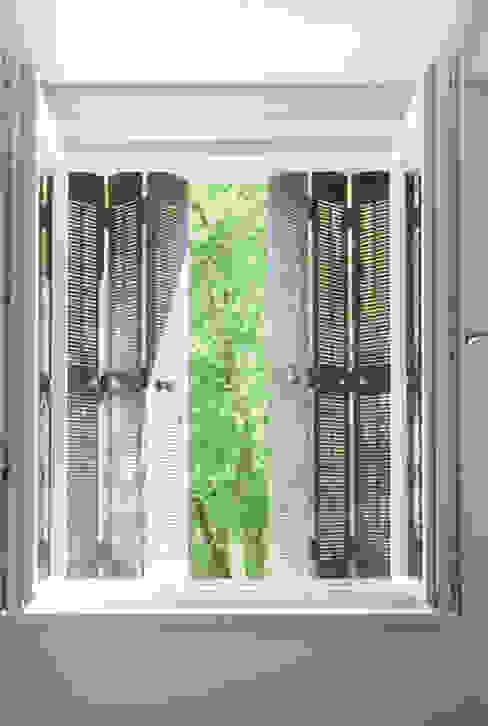 Architekturbüro Klaus Zeller의  창문, 클래식