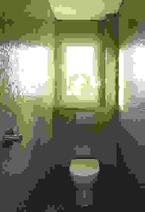 Apartamento na Av. Roma Casas de banho modernas por Atelier da Calçada Moderno