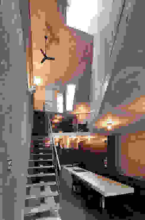 内観:ダイニング ミニマルデザインの ダイニング の プライム建築都市研究所 ミニマル
