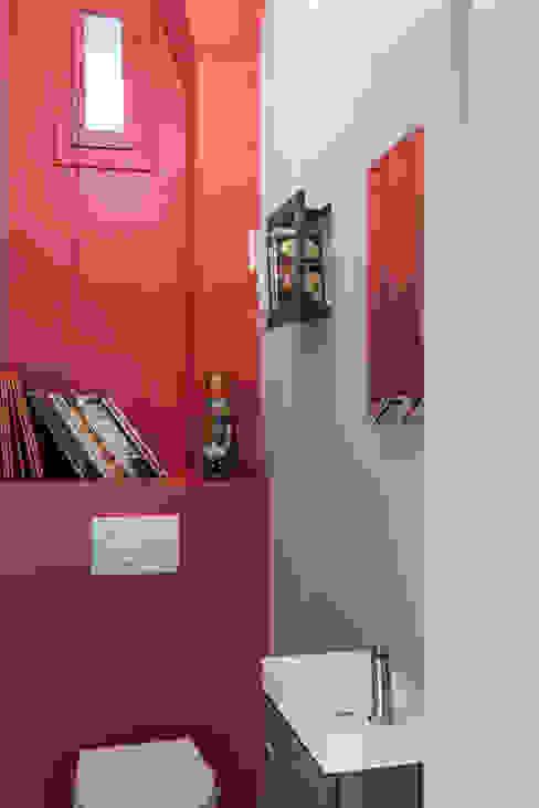 Banheiros modernos por Decorexpat Moderno