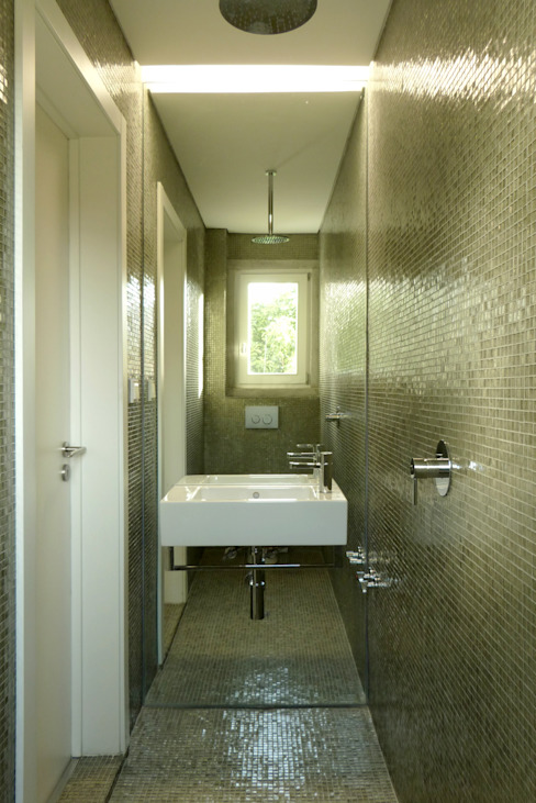 Modern style bathrooms by Atelier da Calçada Modern