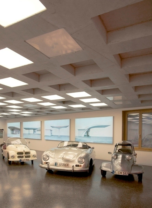 モダンデザインの ガレージ・物置 の HS Architekten BDA モダン