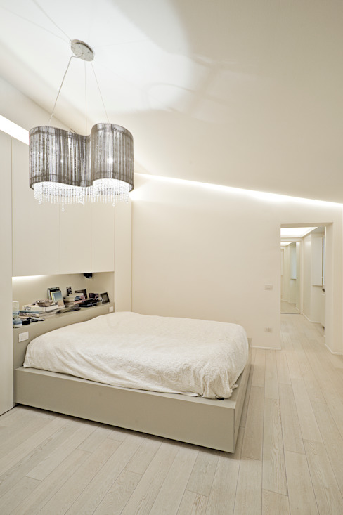 Minimalist bedroom by bdastudio Minimalist