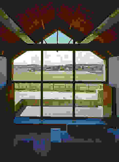 The Long Barn Landelijke woonkamers van Tye Architects Landelijk