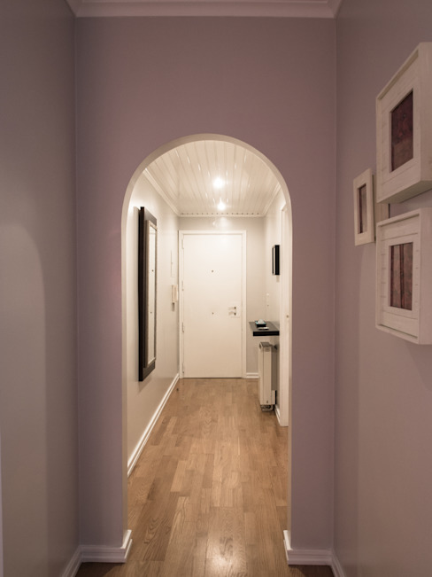 Corridor & hallway by MUDA Home Design, Modern