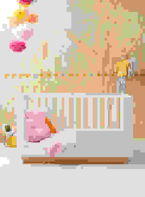 ledikant LEUK:  Kinderkamer door ukkepuk meubels ,