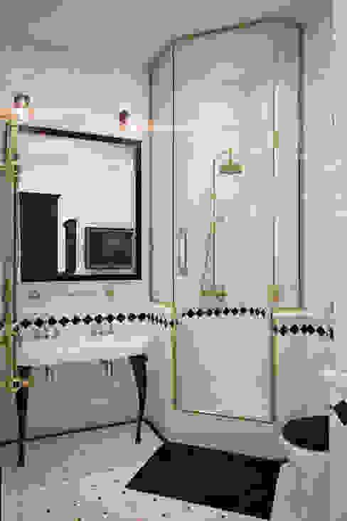 Anna Vladimirova Salle de bain industrielle