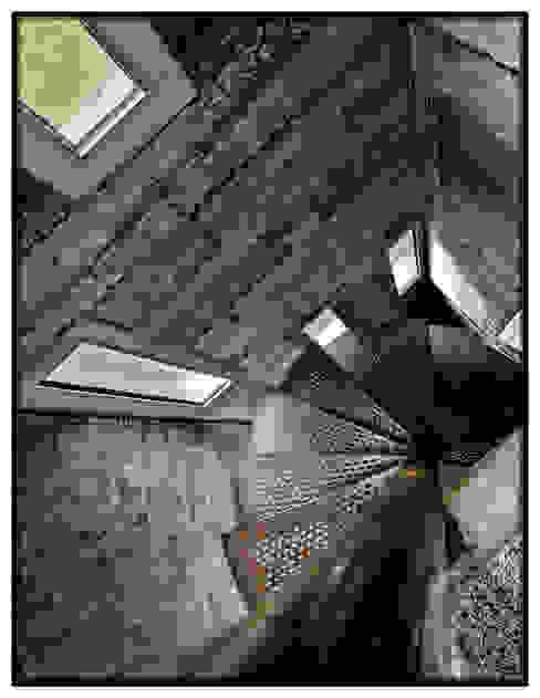 Casa en Dosrius - Barcelona Pasillos, vestíbulos y escaleras de estilo industrial de IF arquitectos Industrial